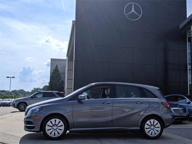 Pre-Owned 2015 Mercedes-Benz B-Class Hatchback