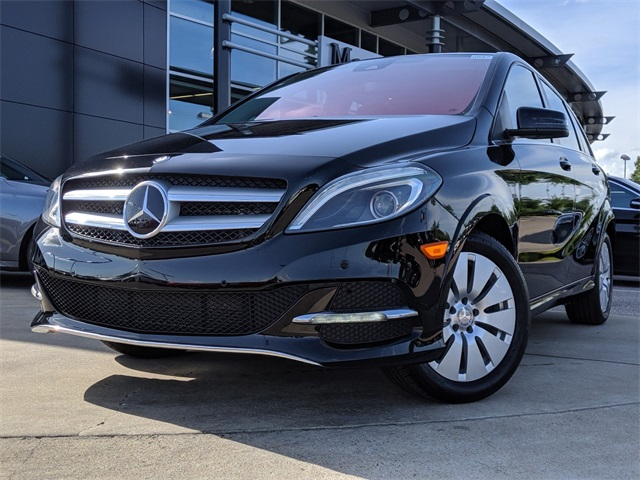 Pre-Owned 2016 Mercedes-Benz B 250 4D Hatchback Front Wheel Drive